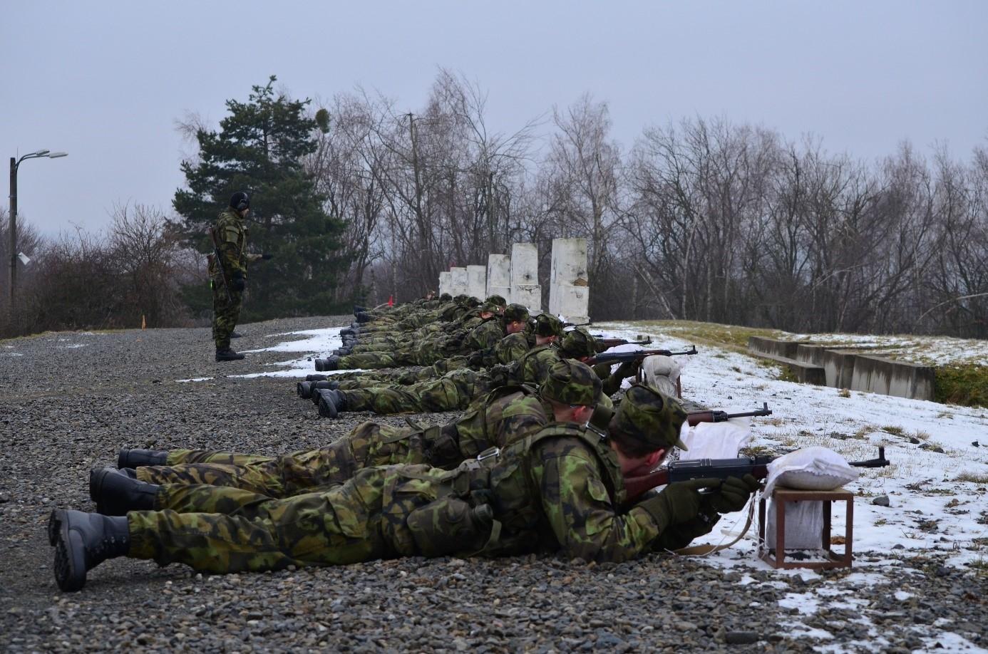 7-army-strelby