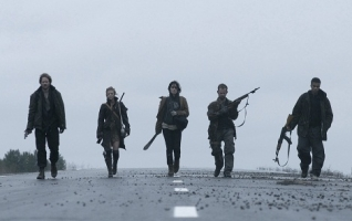 shawn-ashmore-ashley-bell-cory-hardrict-dominic-monaghan-and-shannyn-sossamon-in-the-day-2011-movie-image