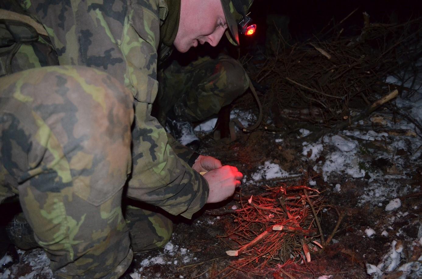 18-army-fire-starter
